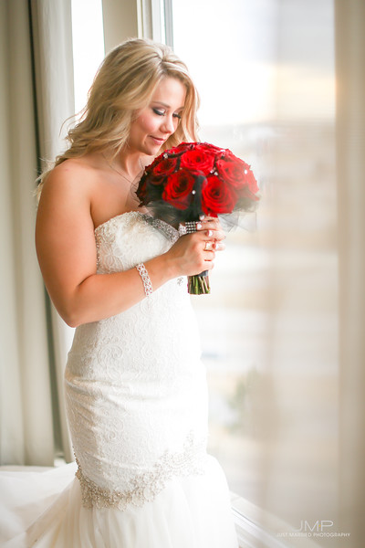 Glam_Modern_Bridal_Makeup_YEG_Edmonton_Weddings_Eclectica_Beauty_Astrid-Woodard