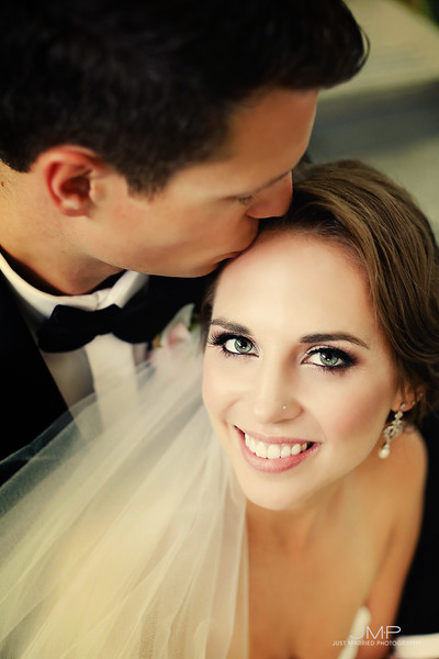 Sophisticated_Modern_Bridal_Makeup_YEG_Edmonton_Eclectica_Beauty_Astrid-Woodard_2