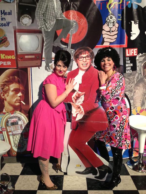 1960's_AustinPowers_FX_Halloween_Makeup_Artists_YEG_Edmonton_Eclectica_Beauty_Studio_Astrid_Woodard-min
