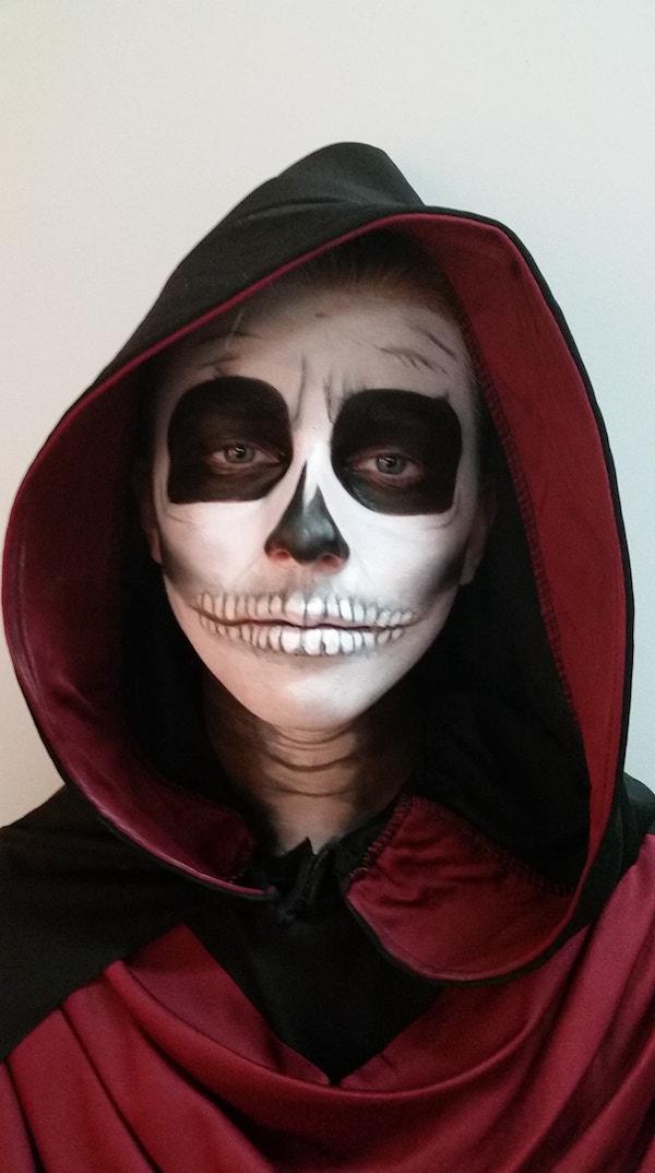 Skull_FX_Halloween_Makeup_Artists_YEG_Edmonton_Eclectica_Beauty_Studio_Astrid_Woodard-min