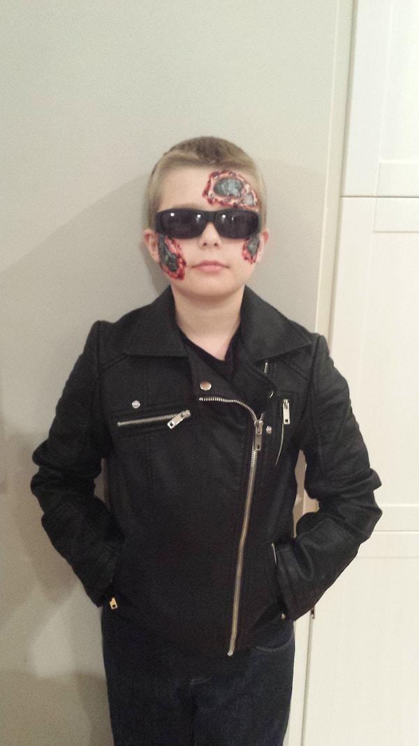 Terminator_FX_Halloween_Makeup_Artists_YEG_Edmonton_Eclectica_Beauty_Studio_Astrid_Woodard-min