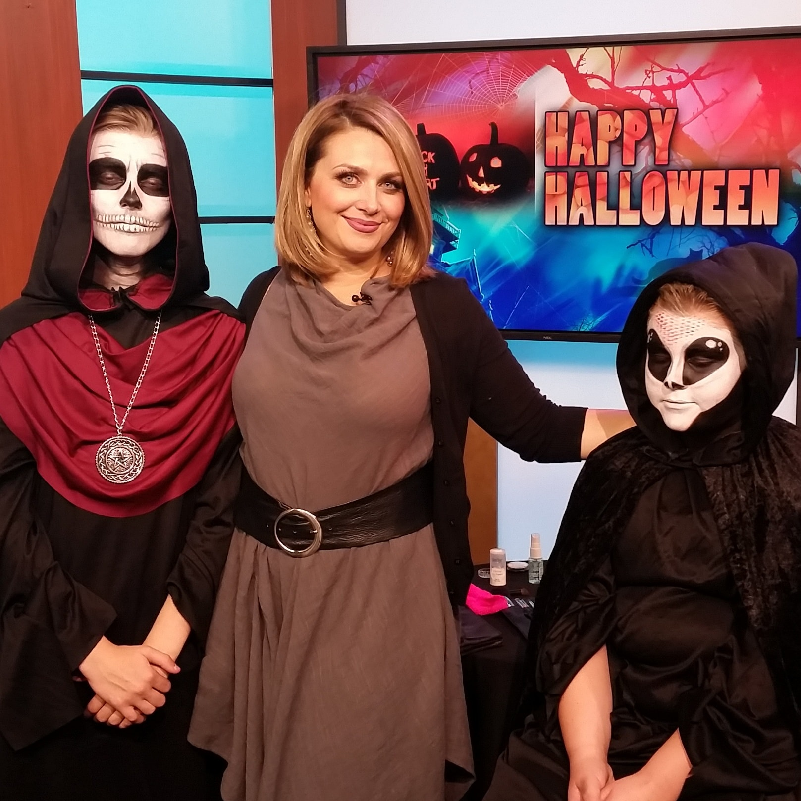 CTV_Edmonton_Haloween_Makeup_Artists_YEG_Eclectica_Beauty_Studio_Astrid_Woodard-min