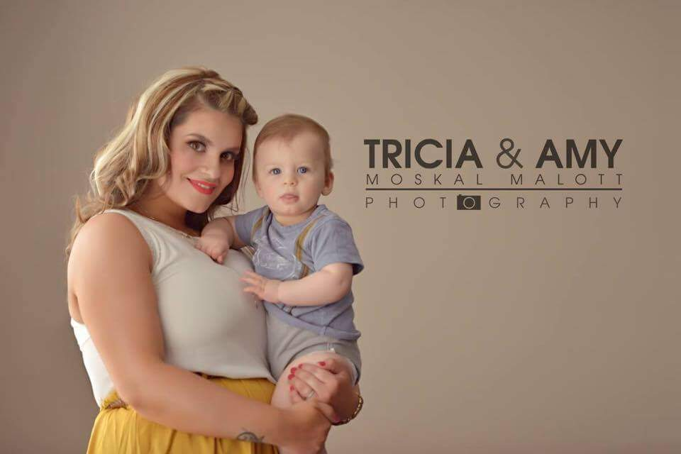 Maternity_Photography_Makeup_Artists_YEG_Edmonton_Eclectica_Beauty_Studio_Astrid_Woodard 3-min